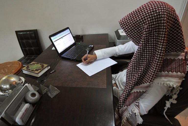 Религиозная полиция Саудовской Аравии объявила войну пороку и колдовству в микроблогах