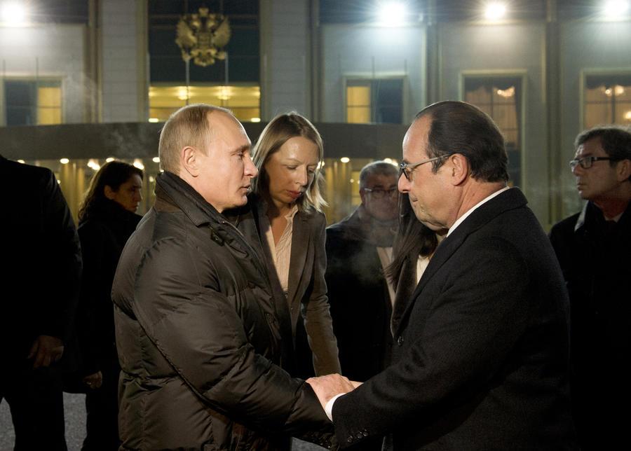 Le Figaro: Нурсултан Назарбаев помог Франсуа Олланду решиться на встречу с Владимиром Путиным