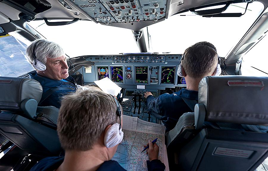 Власти Индонезии: в крушении лайнера SSJ-100 виноваты пилоты