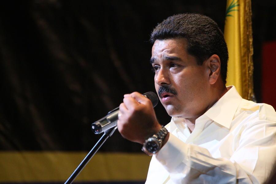 Николас Мадуро назвал Джорджа Буша-младшего террористом и запретил ему въезд в Венесуэлу