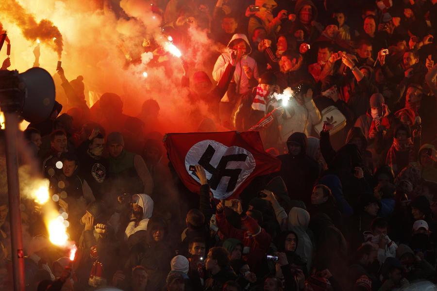 «Спартак» предъявит болельщику иск на 15 млн рублей за демонстрацию флага с нацистской символикой