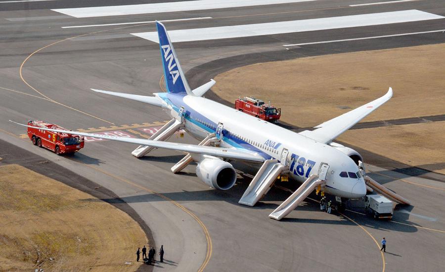 Японские авиакомпании прекратили все полеты Boeing 787 Dreamliner