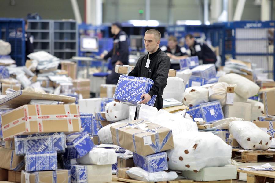 Аэропорт «Шереметьево» перестал принимать зарубежные посылки из-за переполнения складских площадей