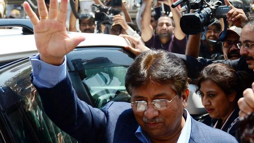 Ботинок для Мушаррафа: экс-президента Пакистана забросали обувью