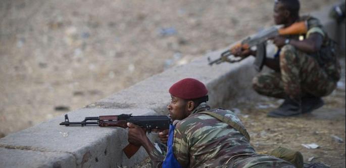 В результате нападения исламистов на отель в Мали погибли по меньшей мере пять человек