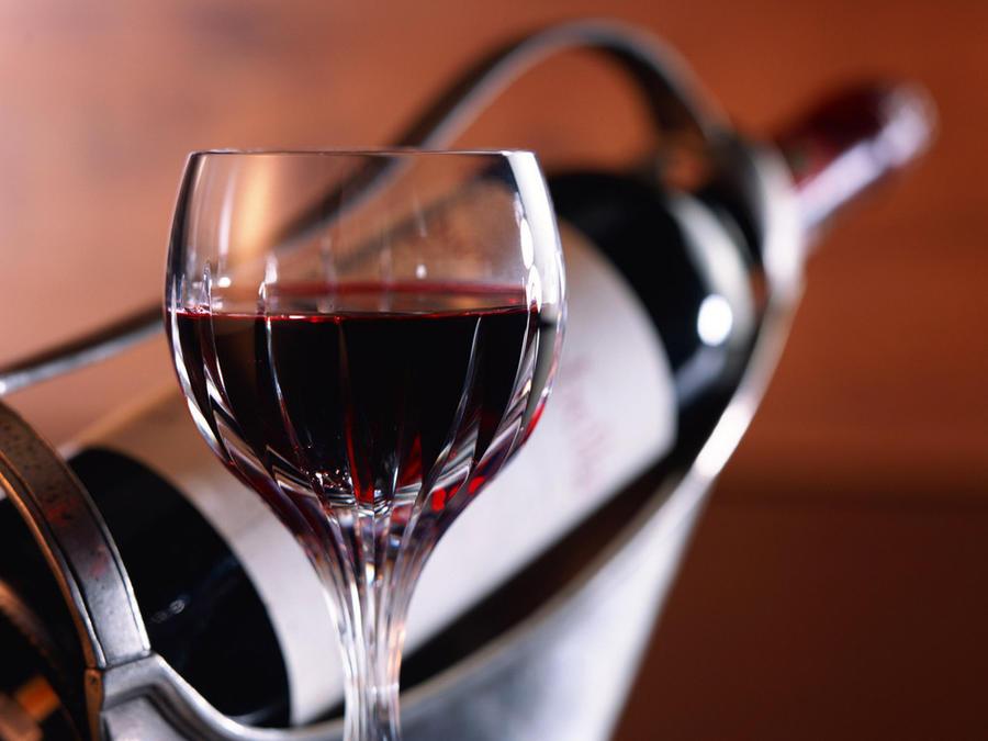 Ученые выяснили, как правильно пить и не толстеть
