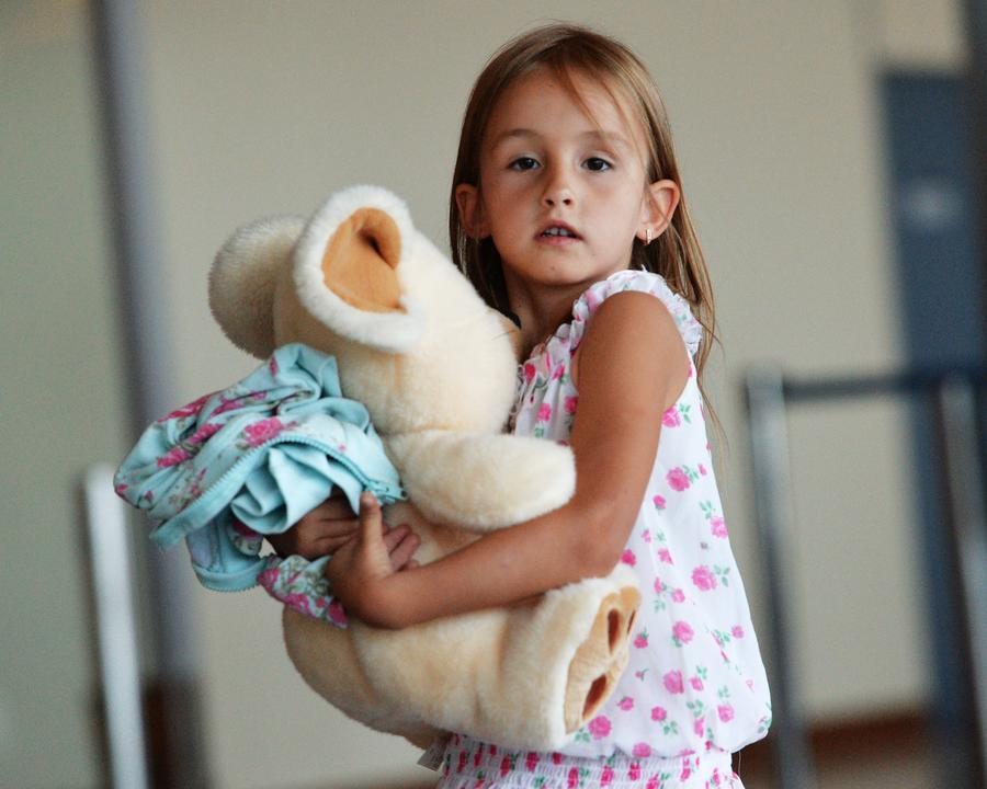 Омбудсмен Украины просит российских пограничников не пускать украинских сирот в РФ