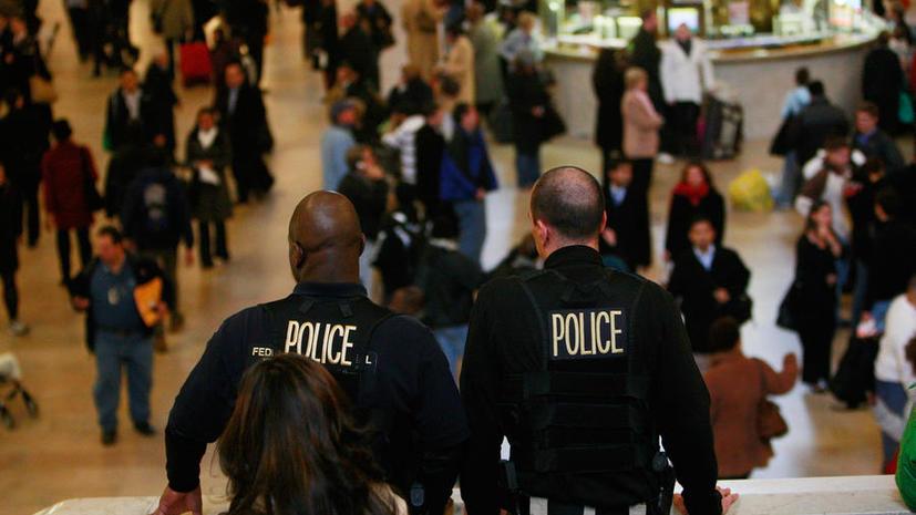 ФБР использует «чёрный список» авиапассажиров для вербовки информаторов среди мусульман