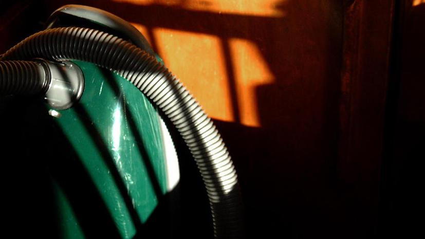 В Италии воры стащили $4 тыс. при помощи пылесоса