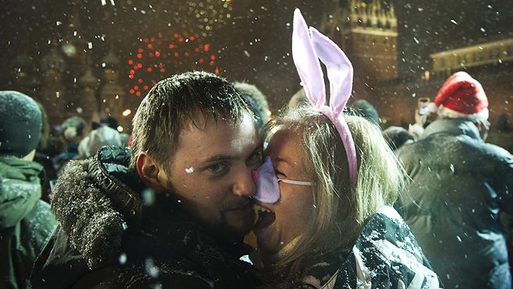 Большинство жителей России настроены на позитив