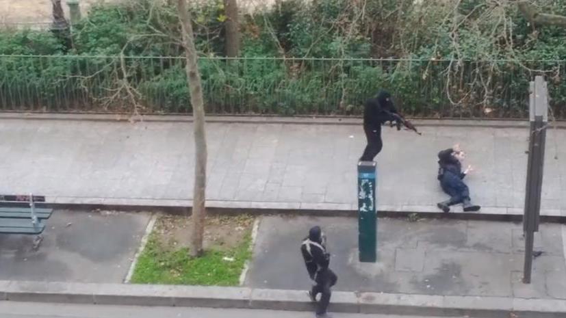 12 человек расстреляны в редакции французского сатирического журнала