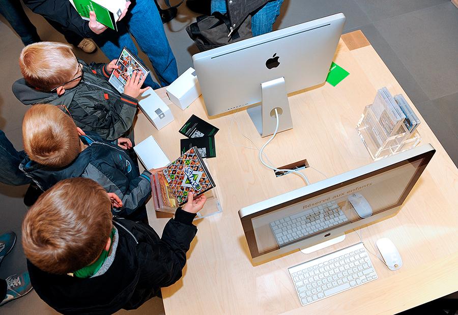Американцы называют своих детей Mac, Apple, и Siri