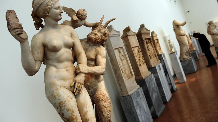 Греция забрала домой статуи обнаженных атлетов с олимпийской выставки в Катаре