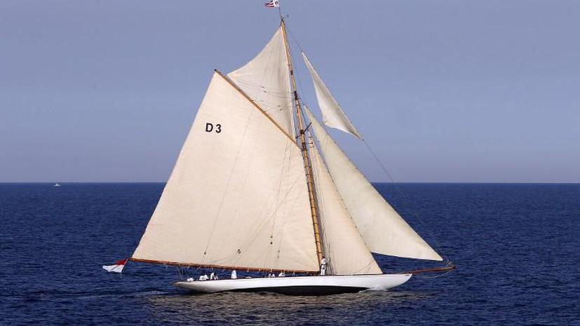Испанская таможня нашла полтонны кокаина на яхте в Атлантическом океане