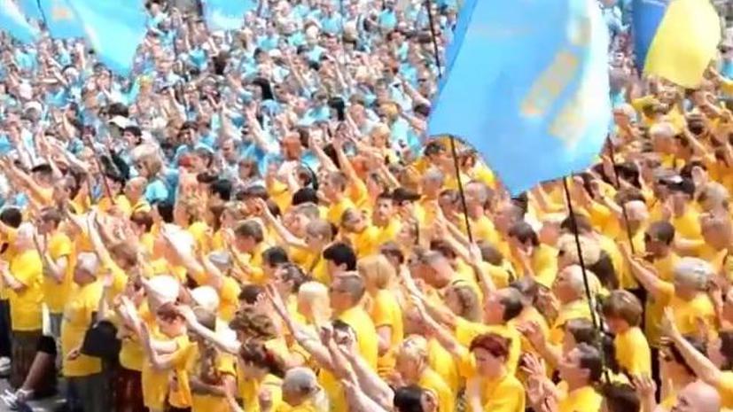 Тысячи сектантов вышли в центр Киева, чтобы поддержать Порошенко и Кличко