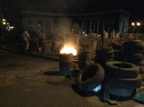 На улице Грушевского в Киеве снова жгли покрышки