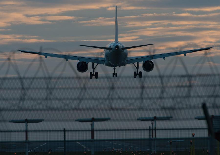 За дебоши в самолётах будут штрафовать на 6 млн рублей
