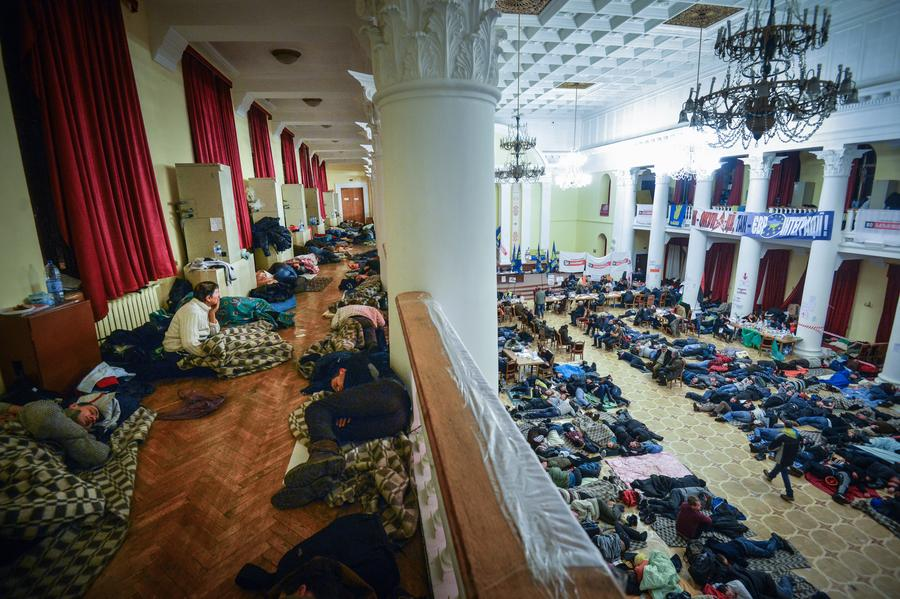 Киевскую мэрию после протестующих «евромайдана» придётся отмывать дворникам со всего города