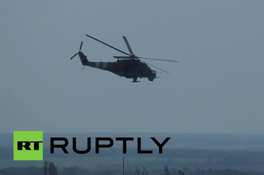 «Надо использовать снаряды побольше» - в Сети появились переговоры с землёй пилота, обстрелявшего аэропорт Донецка