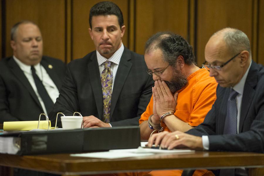 «Кливлендский маньяк» Ариэль Кастро повесился в тюремной камере