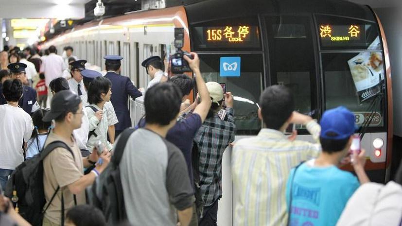 Задымление в токийском метро парализовало две оживлённые линии на 5 часов