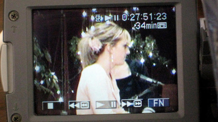 В британских магазинах появится видеосистема, которая будет распознавать лица знаменитостей