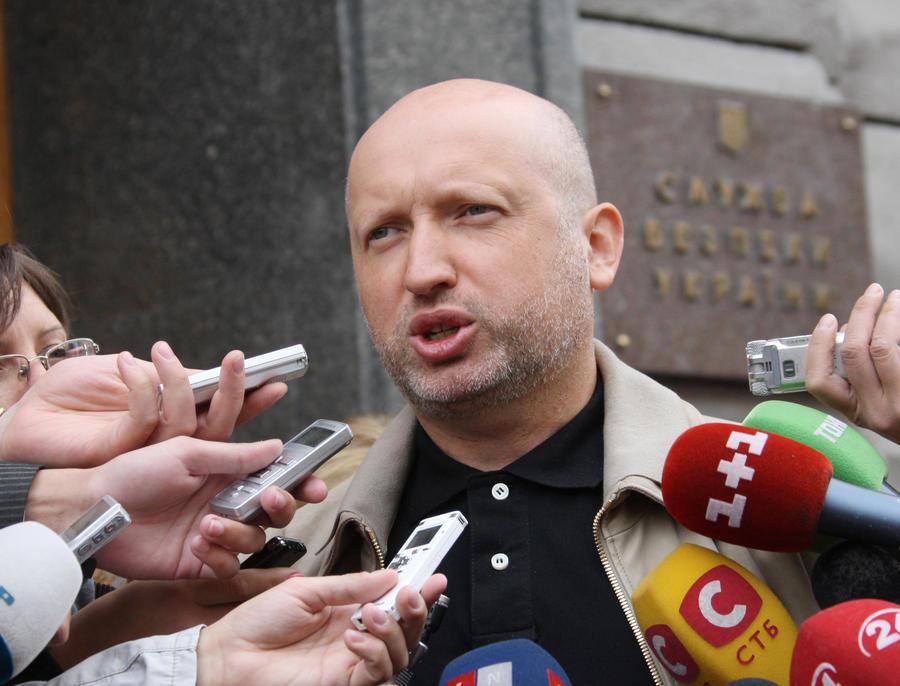 Турчинов срочно созывает заседание СНБО из-за ситуации на юго-востоке Украины