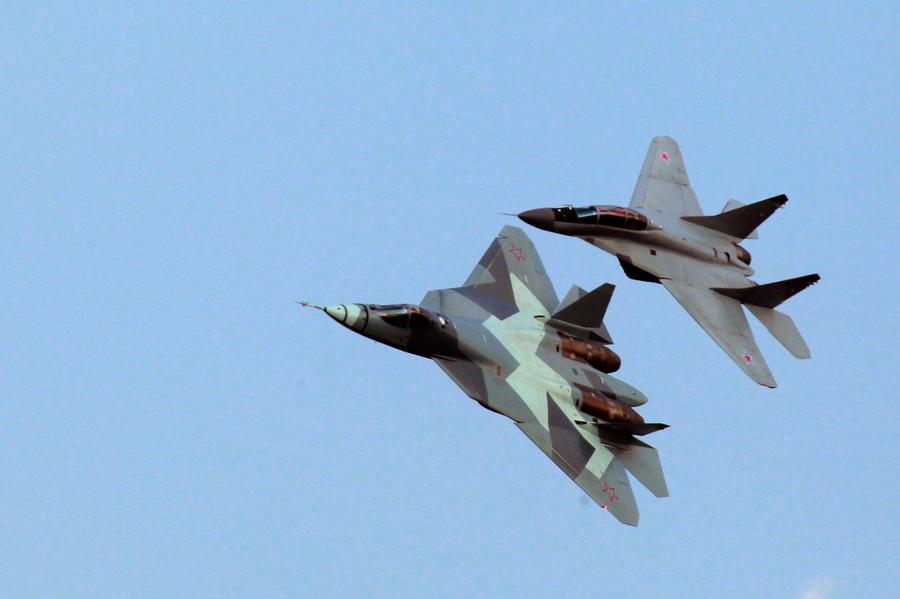 Путин: российский истребитель Т-50 будет превосходить американский F-34