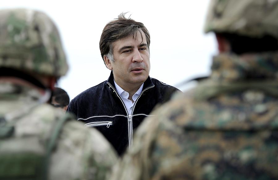 Саакашвили забросали камнями, премьер пообещал разобраться