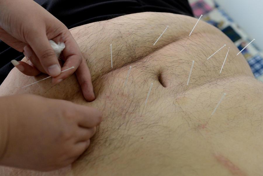 В Швейцарии врач-самозванец заразил ВИЧ 16 человек