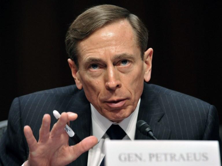 Версии отставки директора ЦРУ: измена жене или расстрел дипломатов в Бенгази