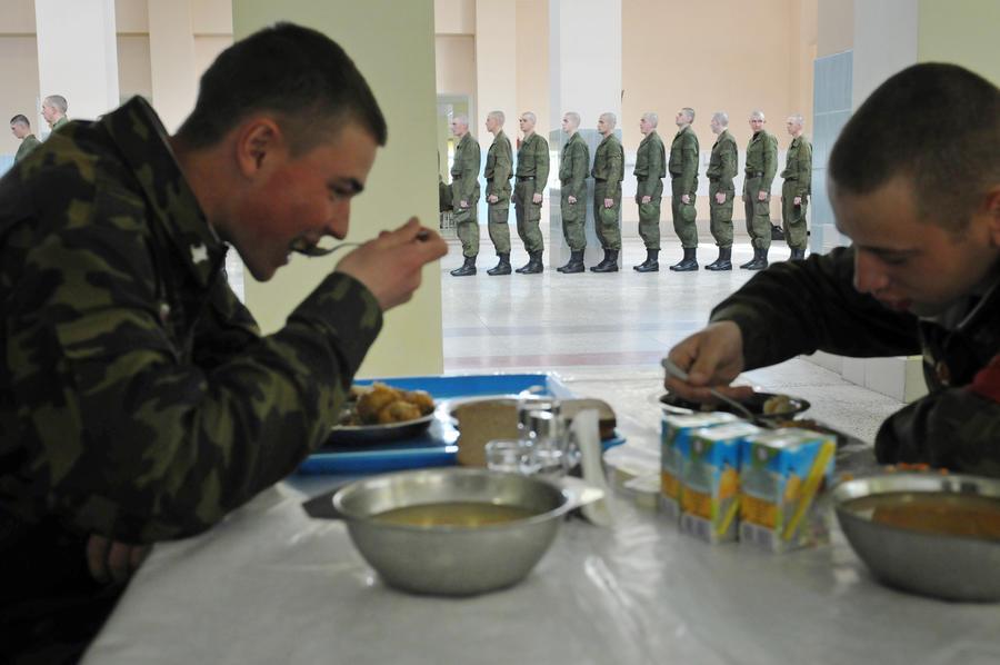 Счетная палата: закупка питания для российской армии велась через офшоры