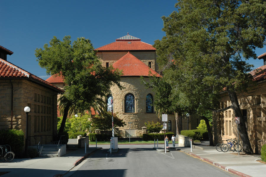 Стэнфордскому университету подарили $151 млн
