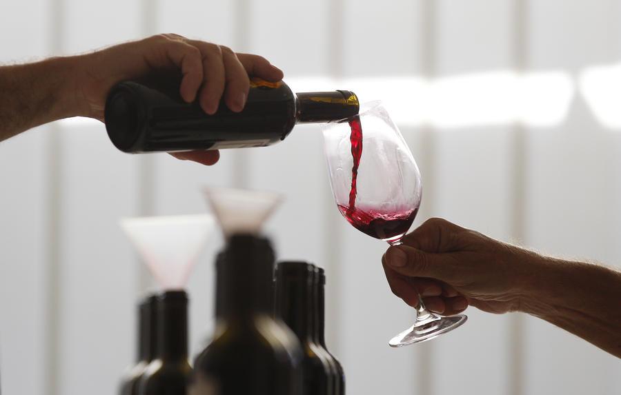 Учёные выяснили, что бокал красного вина в день полезен для больных диабетом