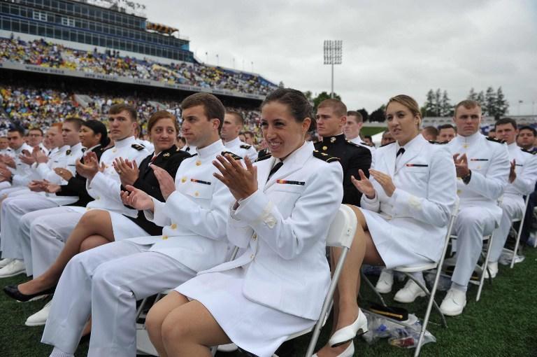 Вице-адмирал ВМФ США даст показания во время процесса по делу об изнасиловании женщины-курсанта