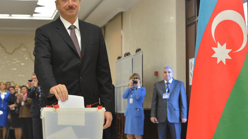 Экзит-пол: Ильхам Алиев набирает 92,15% голосов на выборах президента Азербайджана