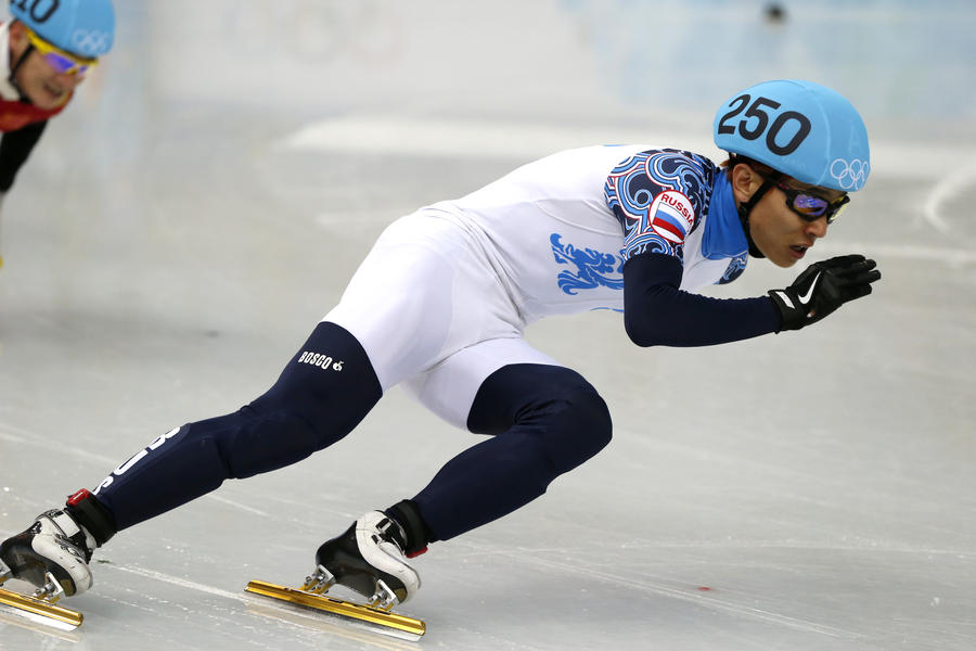Российский шорт-трекист Виктор Ан выиграл золото на дистанции 500 метров