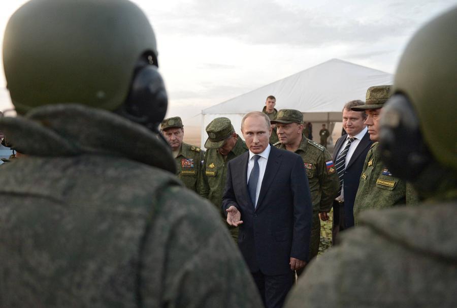 Владимир Путин запретил увольнять нуждающихся в жилье военных