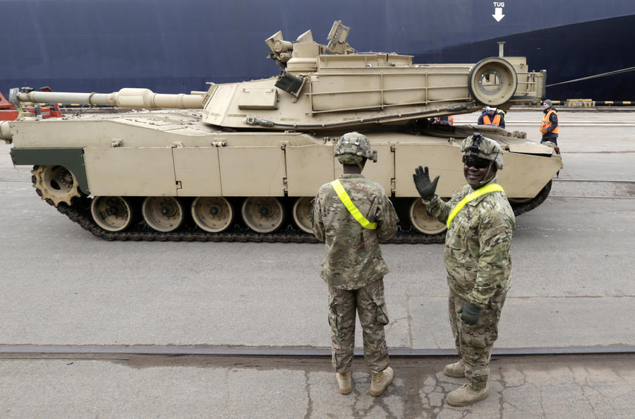 СМИ: От «российской агрессии» Европу защитят 800 американских танков