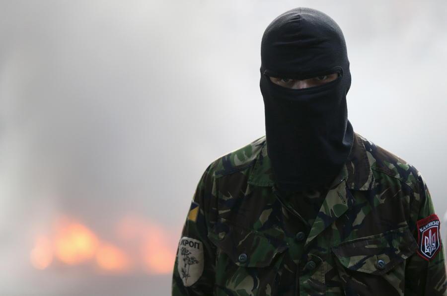 «Правый сектор» против Киева: СБУ готова начать операцию против радикалов, Ярош не намерен сдаваться