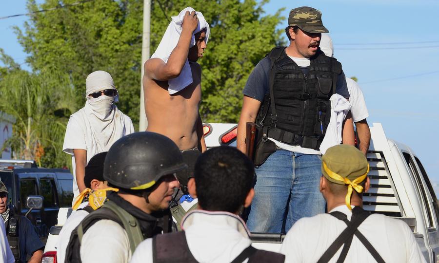 Вооружённые дружинники помогут мексиканской полиции управиться с картелем в штате Мичоакан