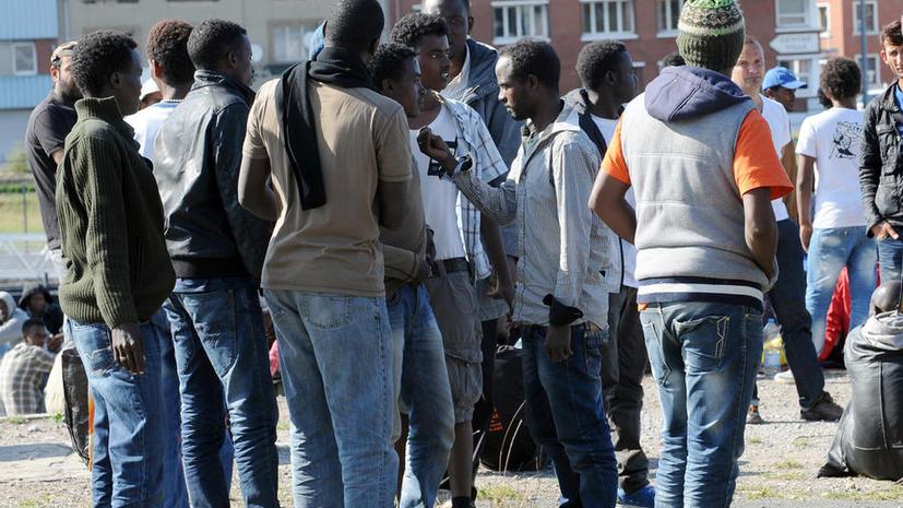 СМИ: Сотни тысяч мигрантов в Великобритании не умеют говорить по-английски
