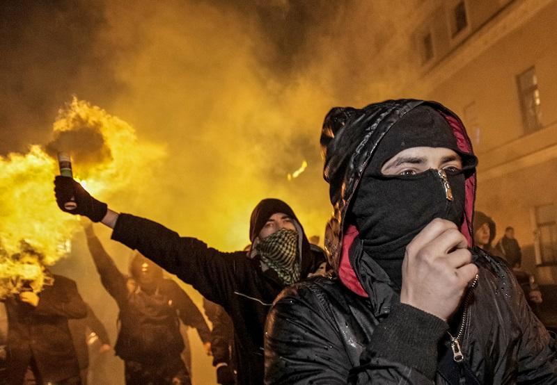 В России разработают систему борьбы c «цветными революциями»