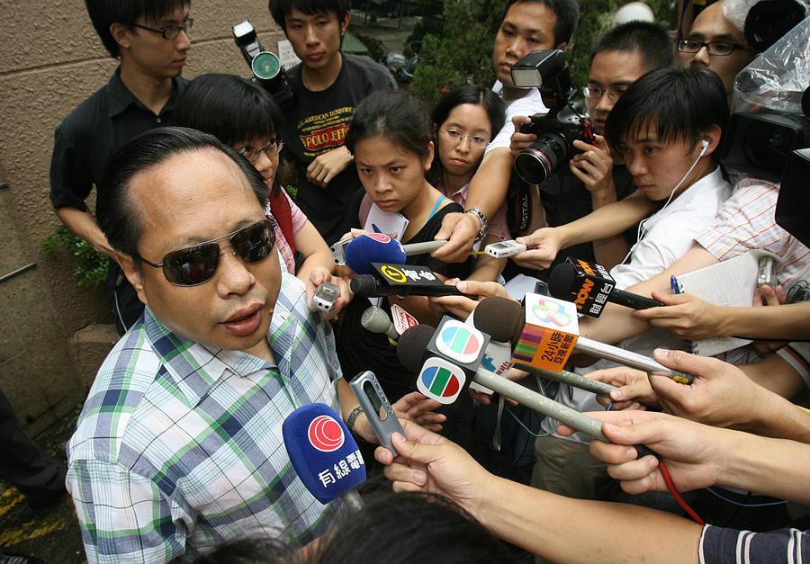 Адвокат: Эдвард Сноуден улетел из Гонконга не по американскому паспорту