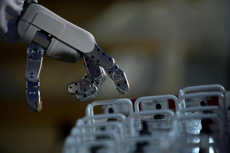 Умная техника: робот сдал пробные экзамены в Токийский университет