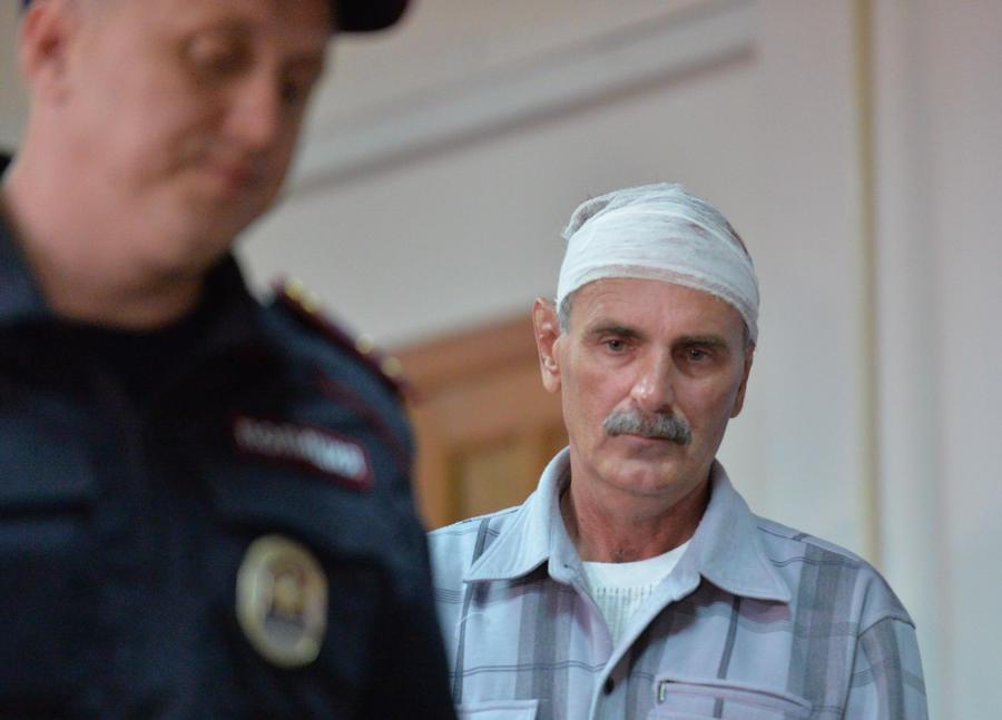 Капитан теплохода признал вину в столкновении с баржей на Иртыше