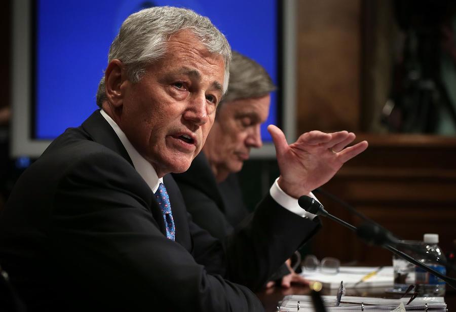 Министр обороны США заявил о готовности вторжения в Сирию