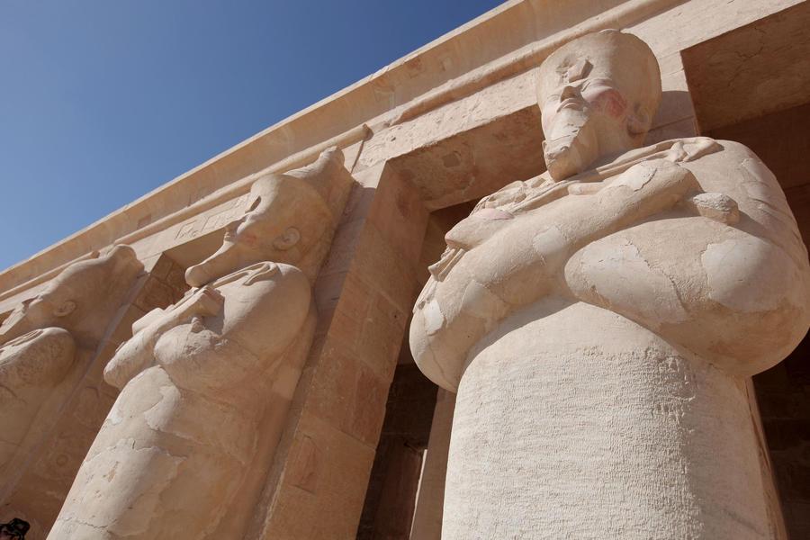МИД РФ: Российским туристам в Египте лучше не покидать курортных зон