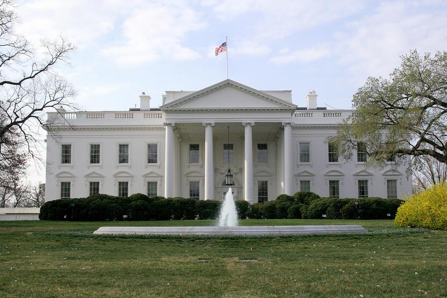 Белый дом пригрозил России новыми санкциями в связи с выборами в ДНР и ЛНР