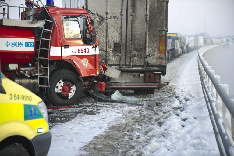 В Швеции столкнулись сразу 100 машин: есть жертвы